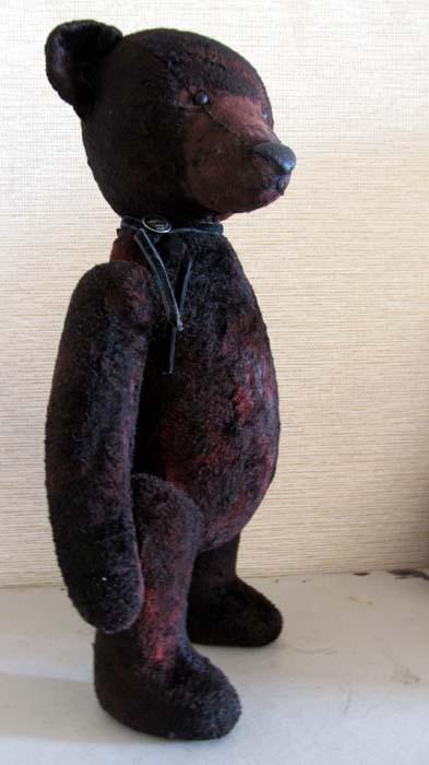 Плюшевый мишка Петрониус.
