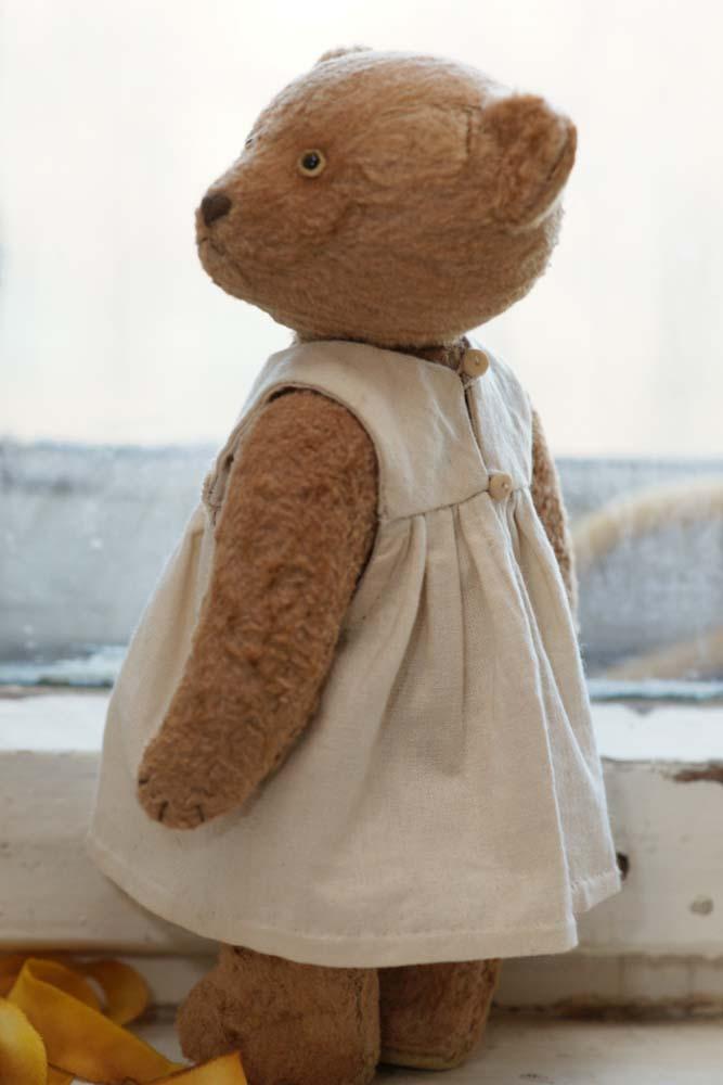 Медведь в одежде. Подарок на день рождения.