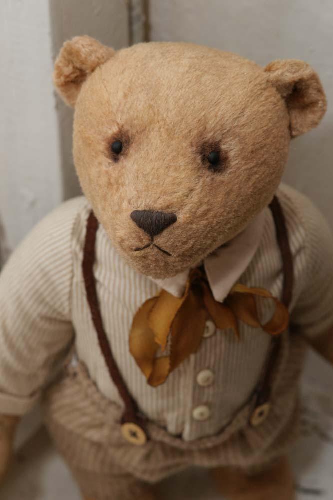 Коллекционный медведь Оливер