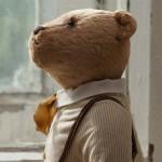 винтажный медведь в рубашке и брюках