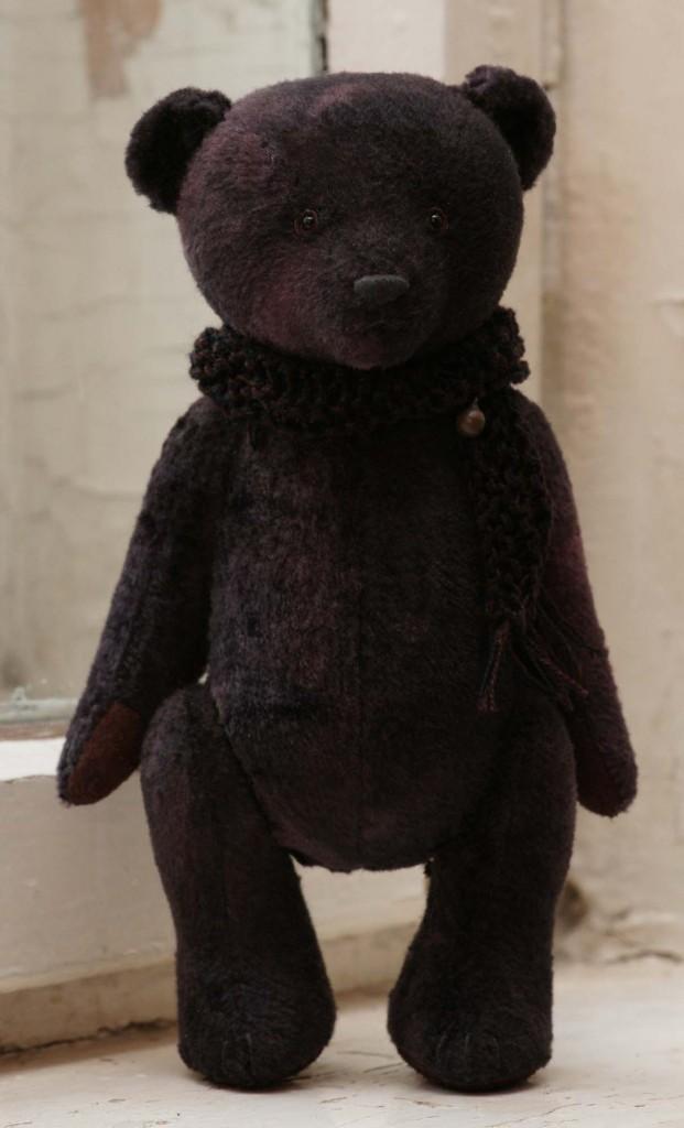 Авторский чёрный мишка игрушка с бубенчиком