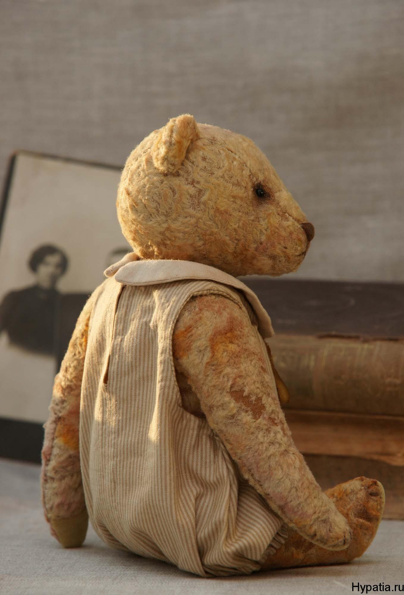 Медведь в стиле тедди