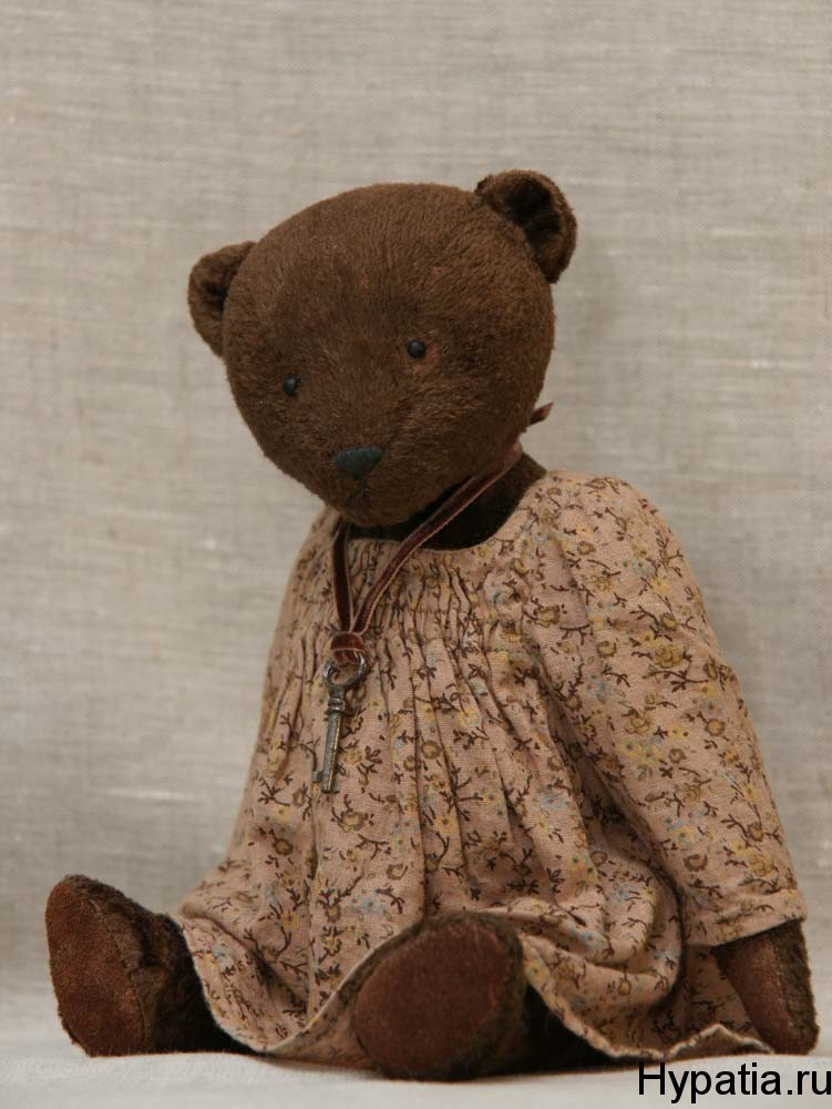 Авторский медведь в стиле антик.