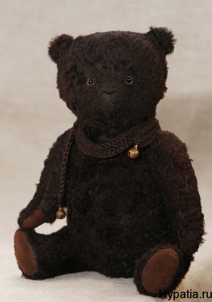 Чёрный медведь из вискозы.