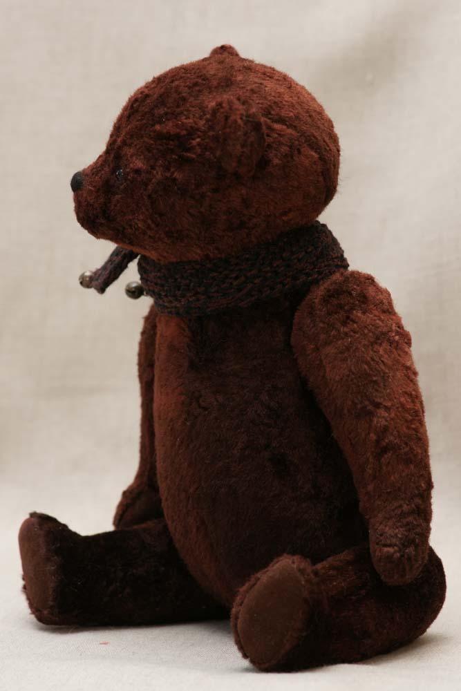 Мишка с шарфом из коричневого плюша купить.