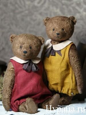 Авторские мишки в платьях. Старинные игрушки.