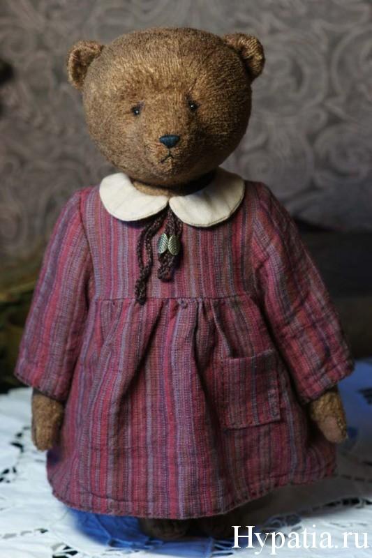 Платье мишки сшито из льна и хлопка