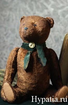 Плюшевый медведь в стиле Тедди.