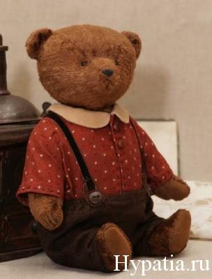 Авторский медведь тедди в рубашке и штанишках