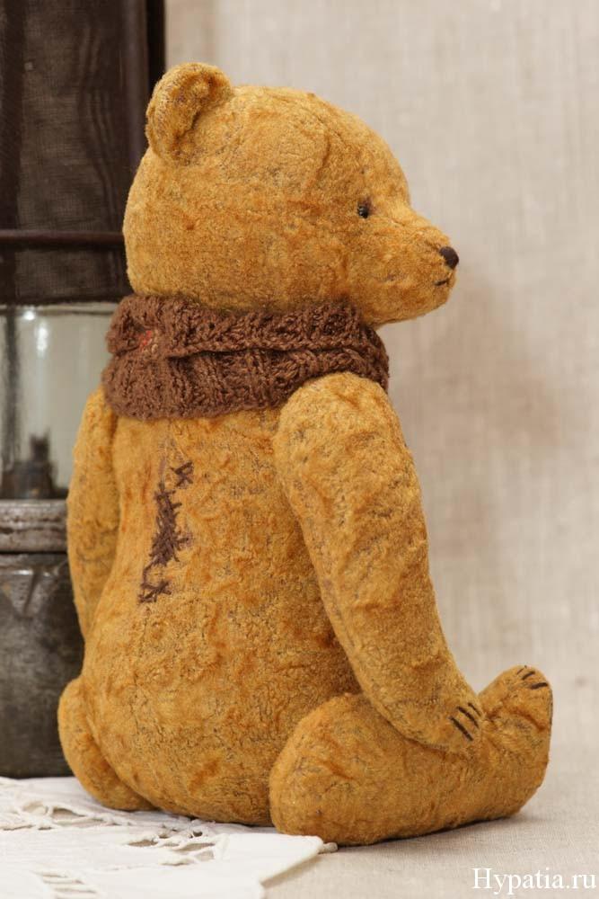 Vintage teddy bear artist