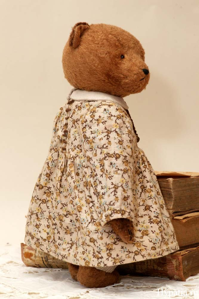 Мишка в платье со шнуровкой