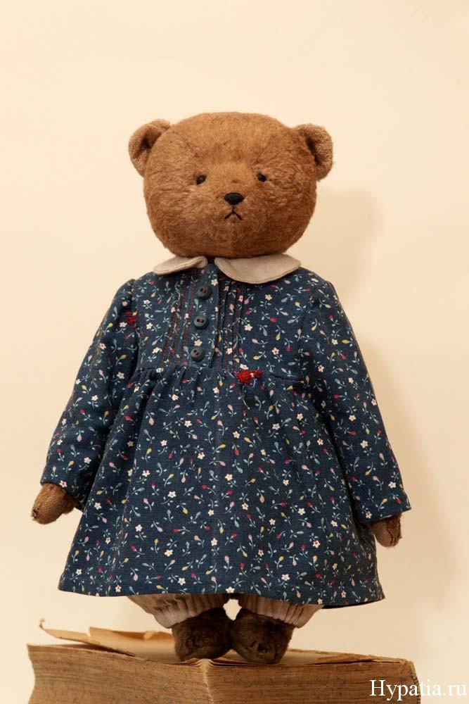 Винтажный мишка девочка в платье и панталонах штанишках