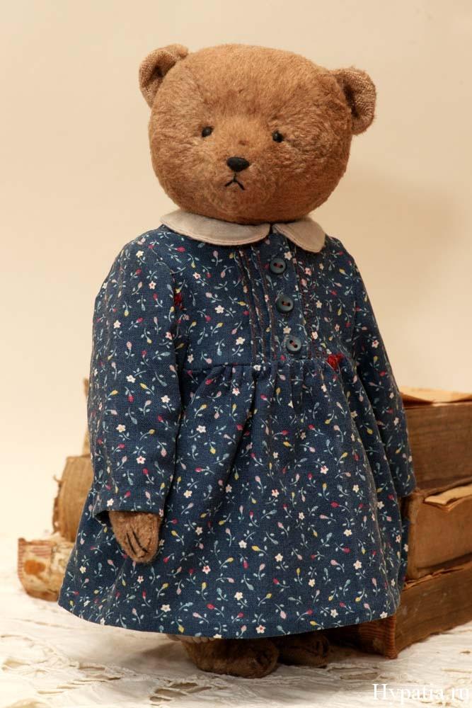 Авторский мишка девочка в одежде платье