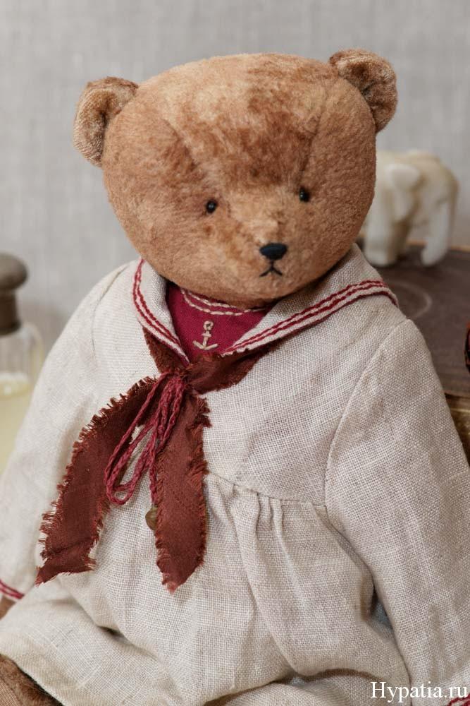 Старинный мишка девочка в матросском костюме