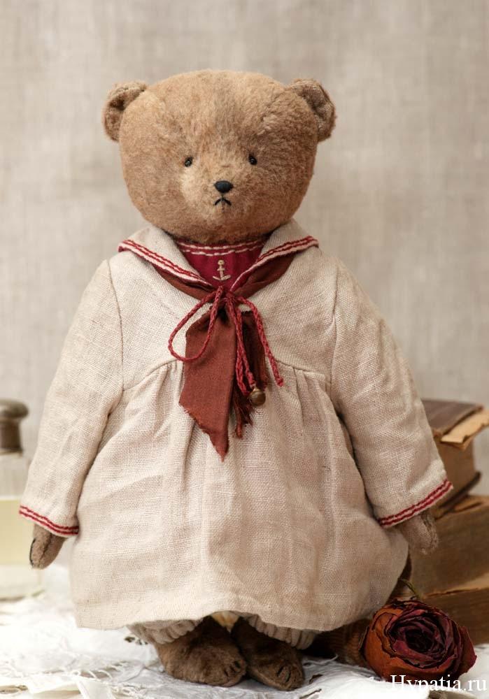 Artist teddy bear in a retro sailor suit children of the century