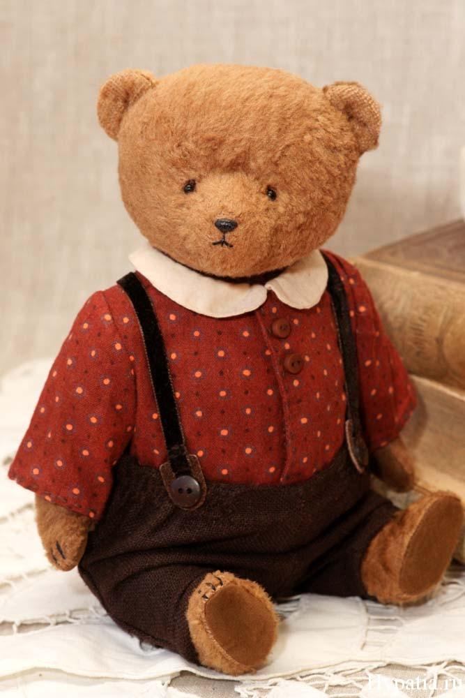 Авторский медведь в штанах и кофточке