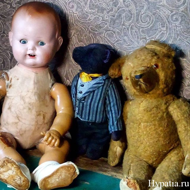 Антикварная немецкая кукла и мишка 30-х годов.