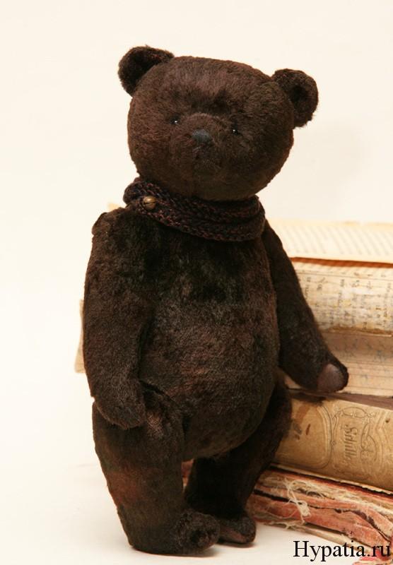 Медведь чвинтажный с опилками.