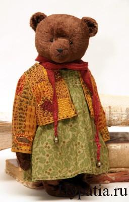 медведица в платье игрушка