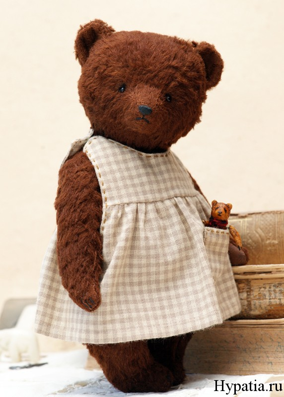 Teddy bear in dress