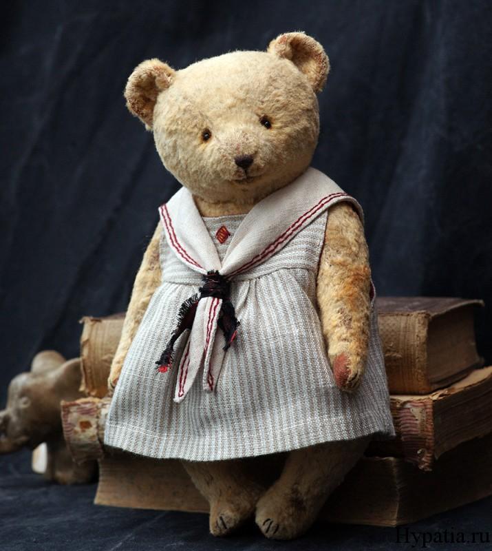 Коллекционный медведь плюшевый