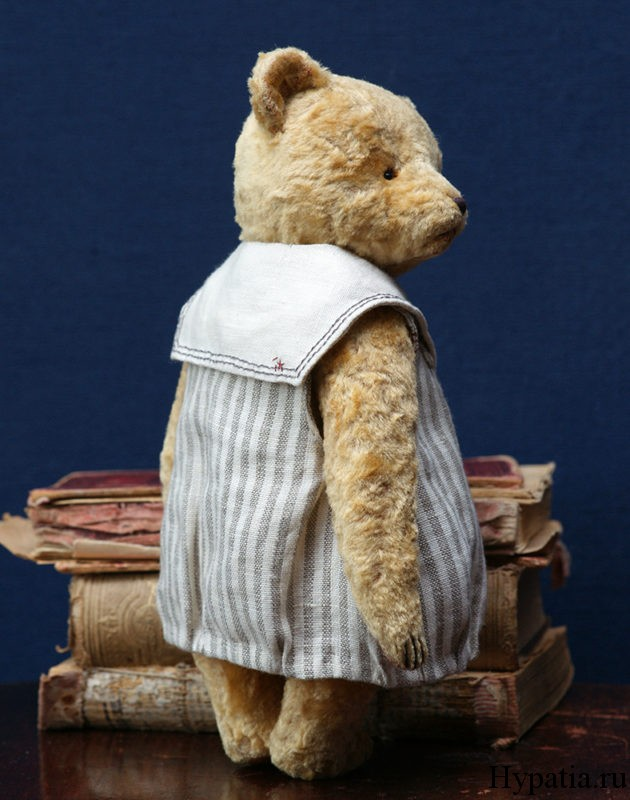 Ретро медведь в матроске